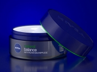 NIVEA NATURAL BALANCE ANTI-FALTEN NACHSPFLEGE - Packaging 3D Visualization